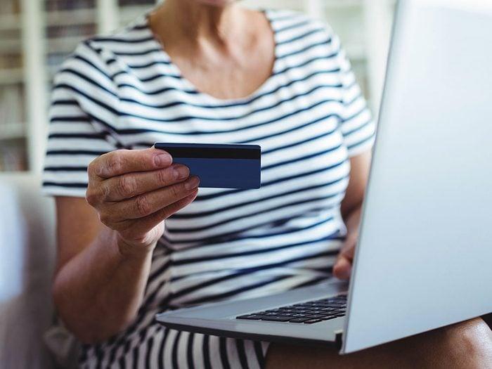 Consommateurs, soyez sur vos gardes au sujet du commerce en ligne!