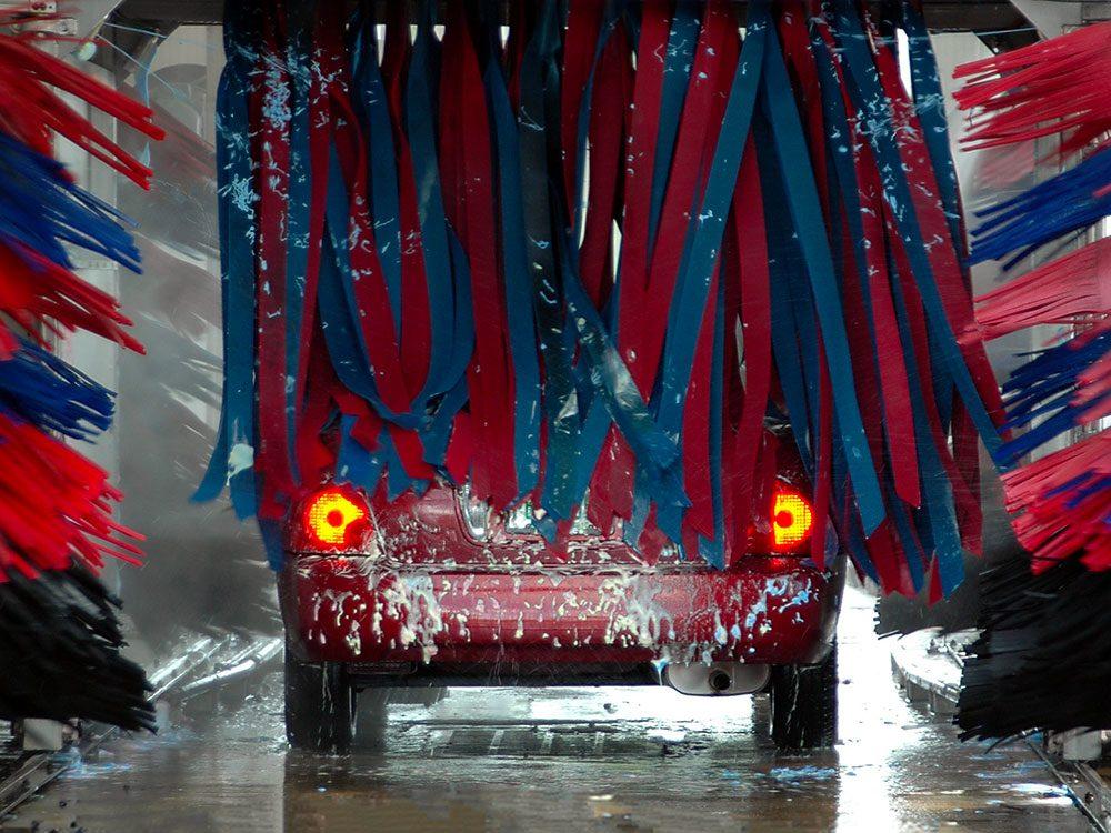 Entretien automobile: évitez d'aller dans les lave-autos.