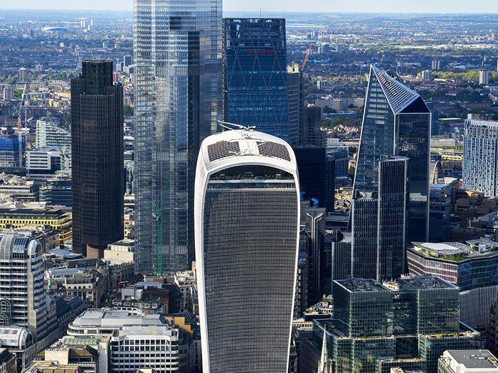 Faits incroyables: la population de la Cité de Londres est de seulement 9000 personnes.