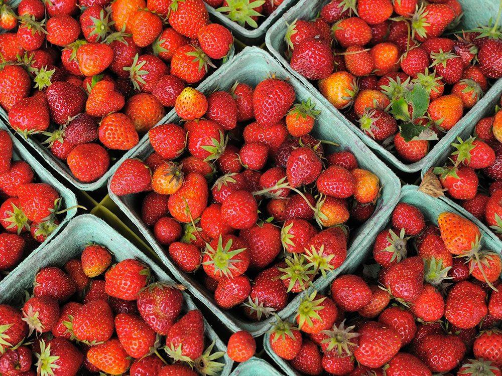 Faits incroyables: la fraise n'est pas un fruit.