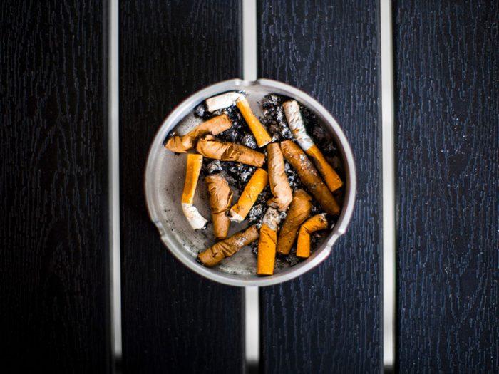 Ne restez pas en présence d'un fumeur quand vous avez la grippe.
