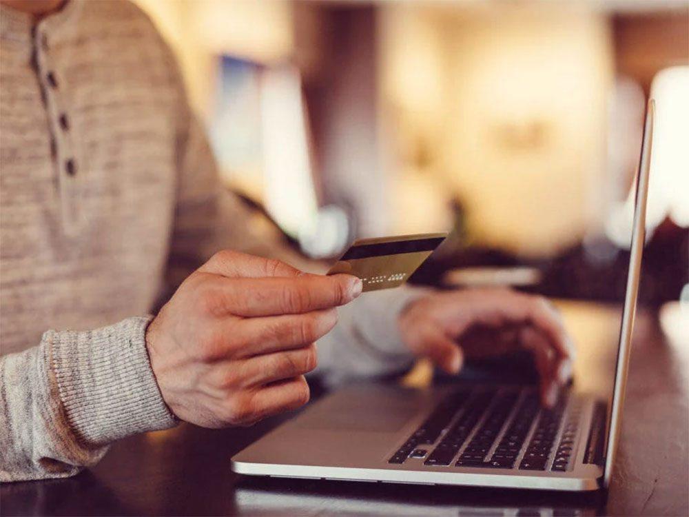 Magasinage: les commerces sauvegardentvos coordonnées afin de faciliter les transactions suivantes.