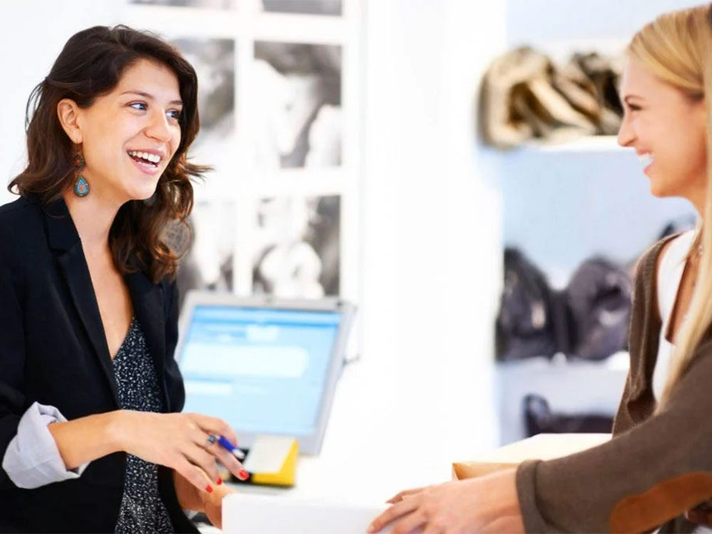 Magasinage: les vendeurs vous séduisent à coups de faveurs, conseils et services.