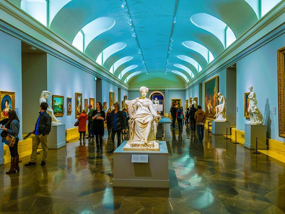 Au musée du Prado, une salle avec des oeuvres jugées indécentes par le Roi, était réservée aux personnes avec autorisation.