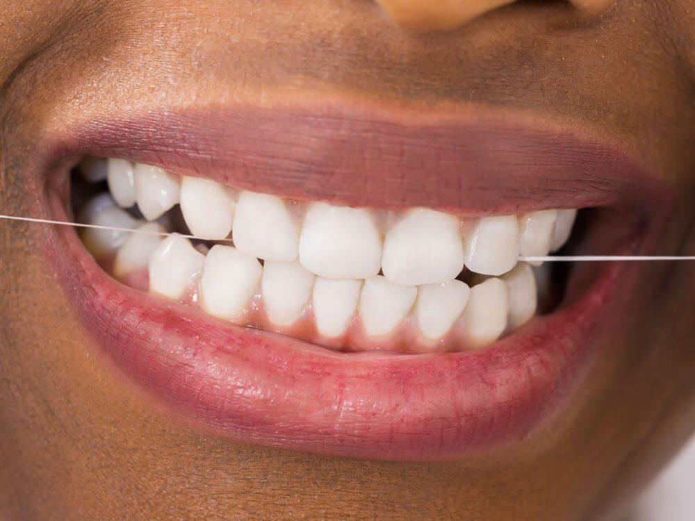 L'orthodontiste évitera de vous dire qu'il sait si vous ne passez pas la soie dentaire ou ne vous brossez les dents aussi souvent que vous le dites.