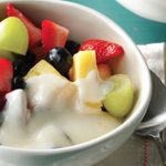 Coupes de yogourt aux fruits et au miel