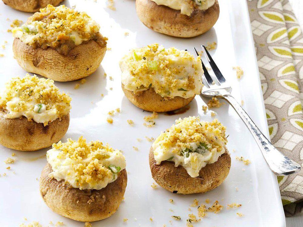 La recette de champignons farcis est l'une des recettes vintages à ne pas faire!