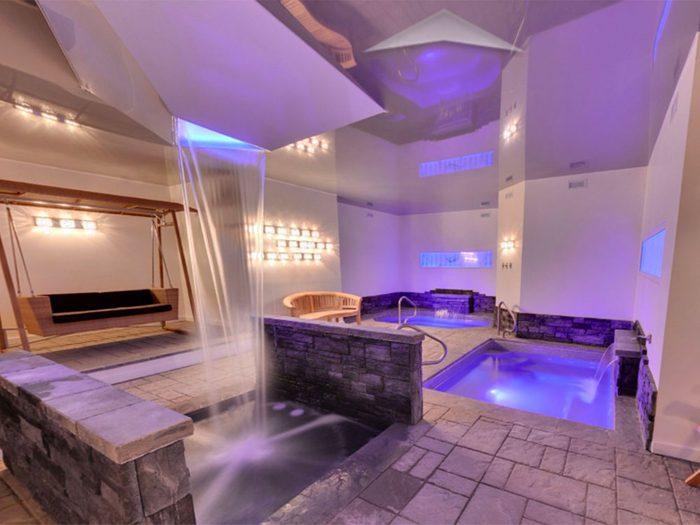 La Grande Maison située à la Baie-Saint-Paul, est un endroit de détente avec spa.