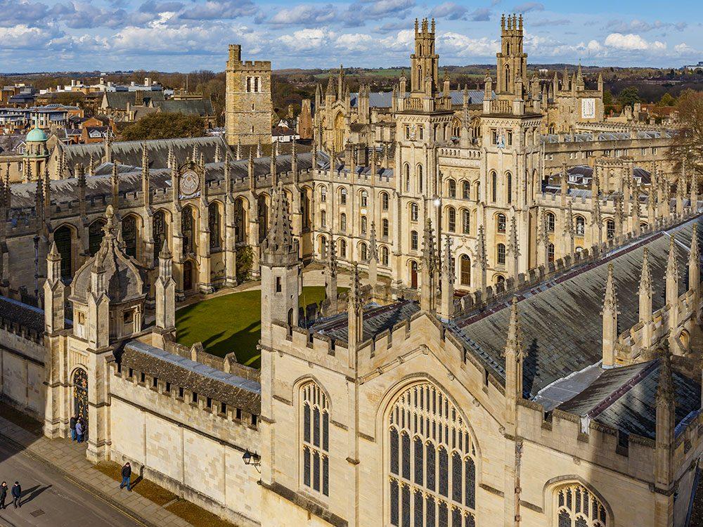La diplomation féminine à Oxford aura 100 ans en 2020.