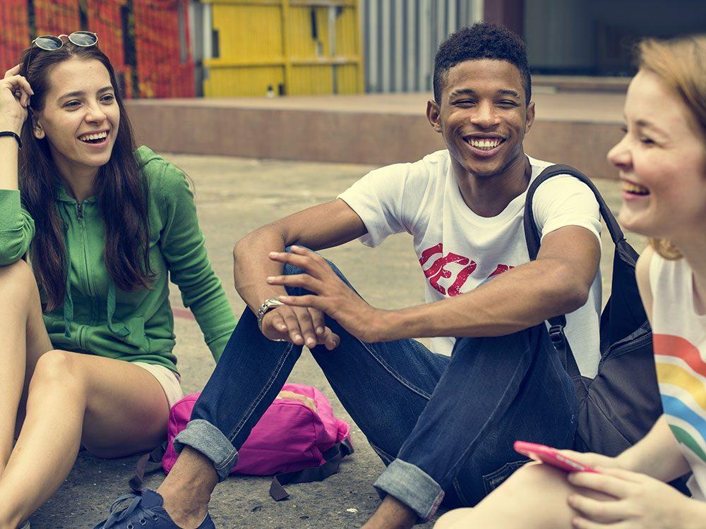 Le cerveau adolescent est vulnérable, surtout face à la malbouffe.