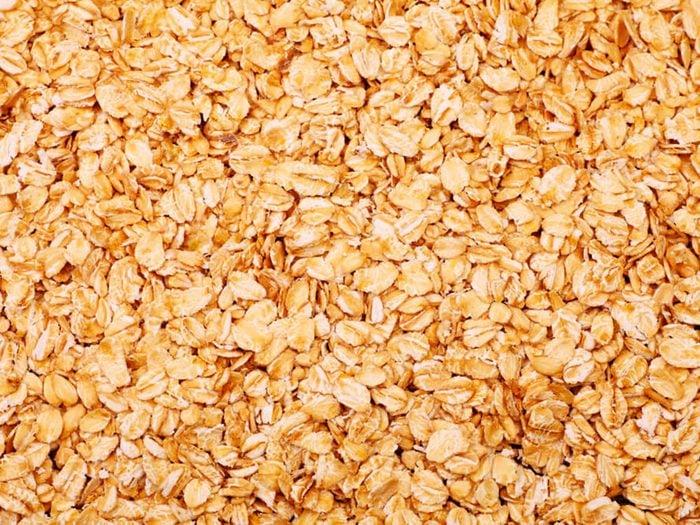 Le gruau instantané aromatisé fait partie des aliments mauvais pour la santé.