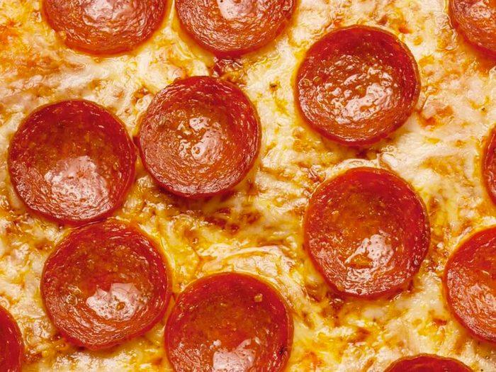 La pizza congelée fait partie des aliments mauvais pour la santé.