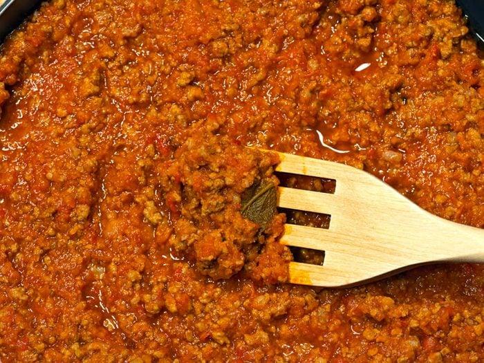 La sauce tomate en bocal fait partie des aliments mauvais pour la santé.