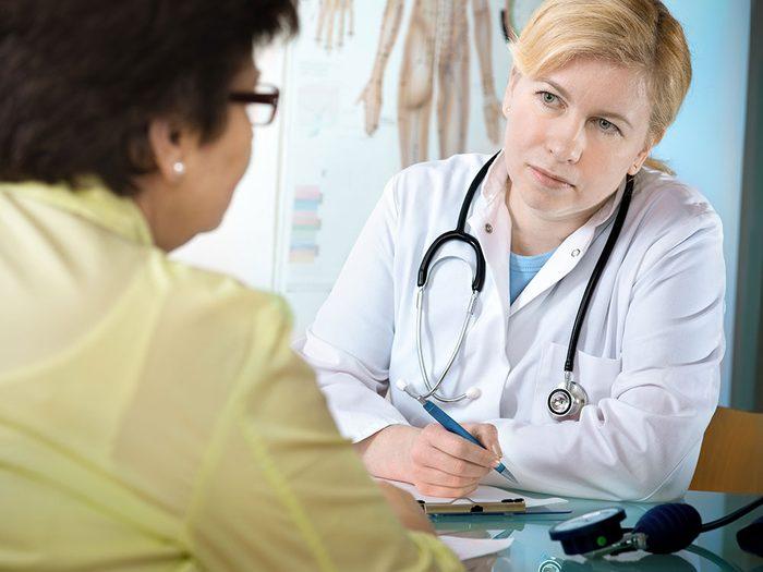 Il n'est pas aisé pour un médecin de choisir parmi les milliers de médicaments homologués, et parfois la prescription d'antipsychotique semble être la meilleure solution.