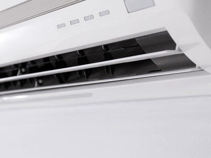 Bruits dans la maison: attention aux crissements ou cliquetis dans votre climatiseur.