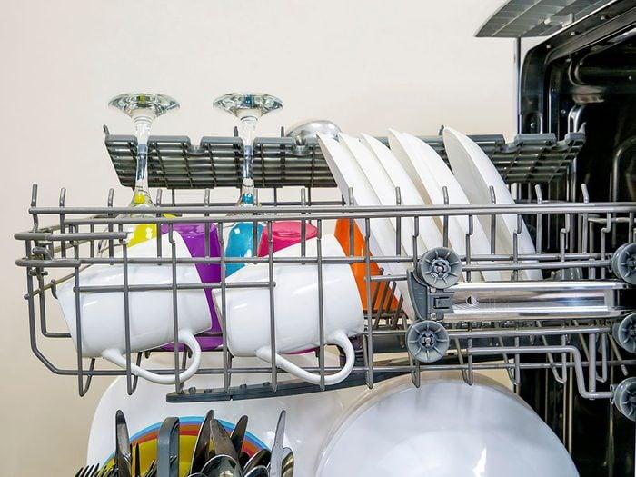 Bruits dans la maison: attention aux claquements dans le lave-vaisselle.