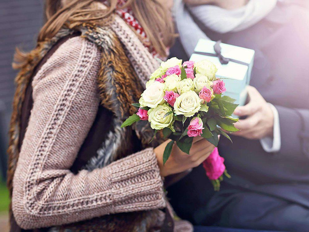 Couple: donner des cadeaux pour se faire pardonner n'est pas une bonne chose.