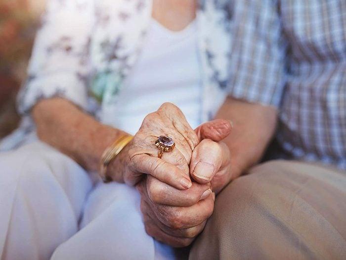 Couple: aimer l'autre «inconditionnellement» n'est pas une bonne chose.
