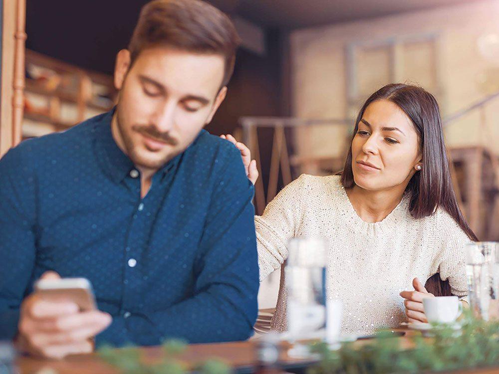 Couple: mentir à votre partenaire pour ne pas le blesser n'est pas une bonne chose.