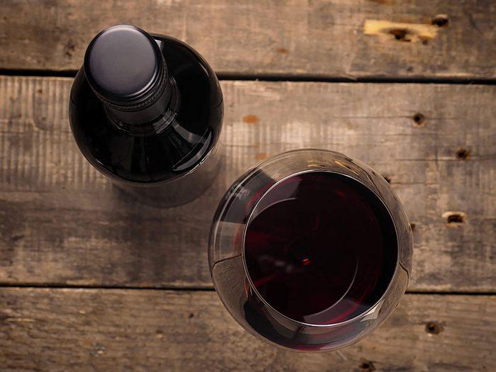 Le vin rouge réduit-il le risque de crises cardiaques?