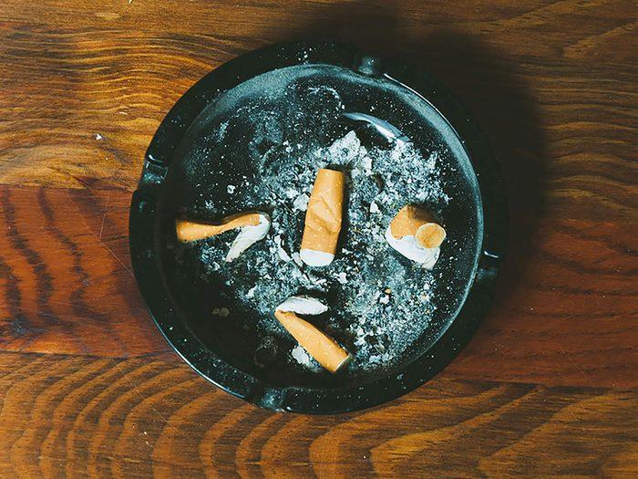 Fumer moins réduit le risque de crises cardiaques.