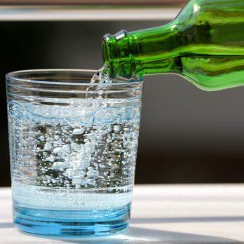 L'eau pétillante est-elle bonne pour la santé?