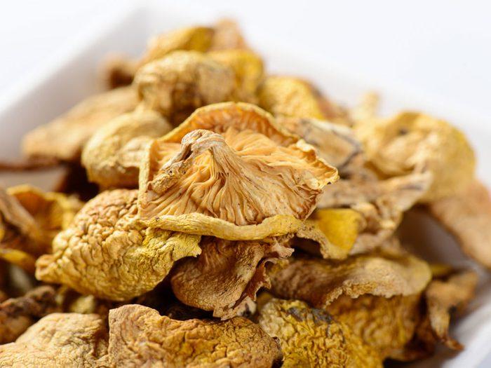 Faites attention aux champignons sauvages pour éviter un empoisonnement.