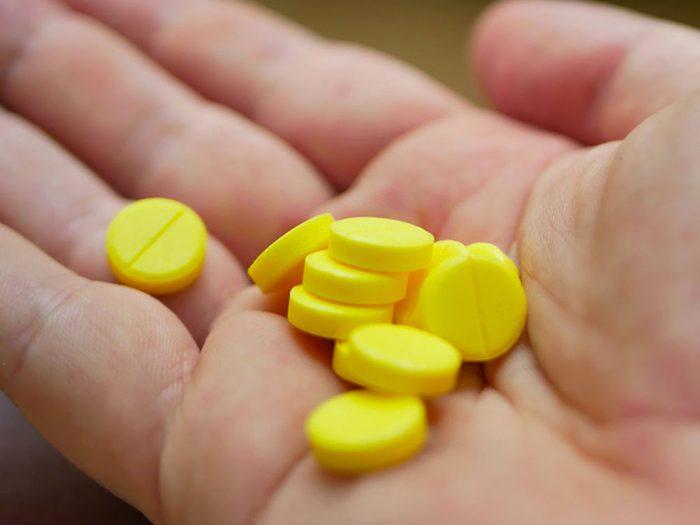 Comment prévenir les empoisonnements aux médicaments?