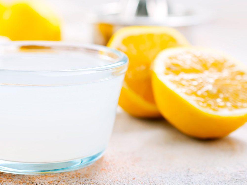 Nettoyer la maison: du jus de citron contre les traces de rouille.