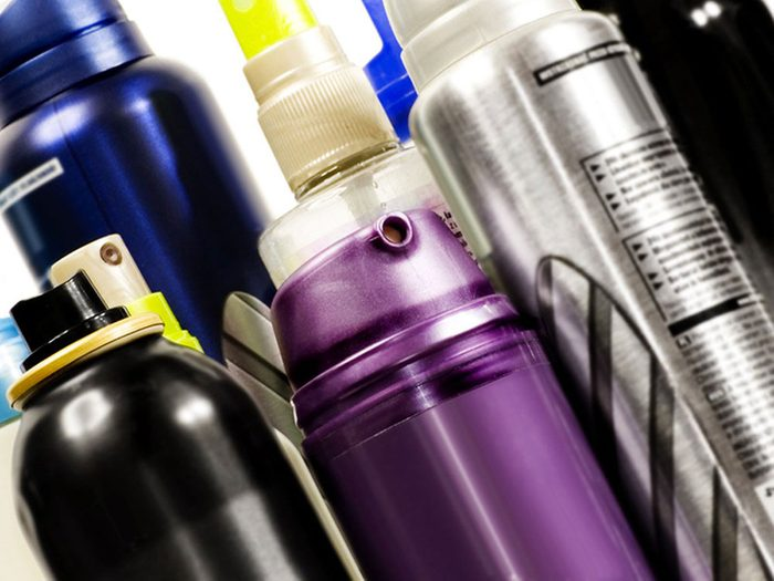 Nettoyer la maison: l'alcool à friction, un allié.