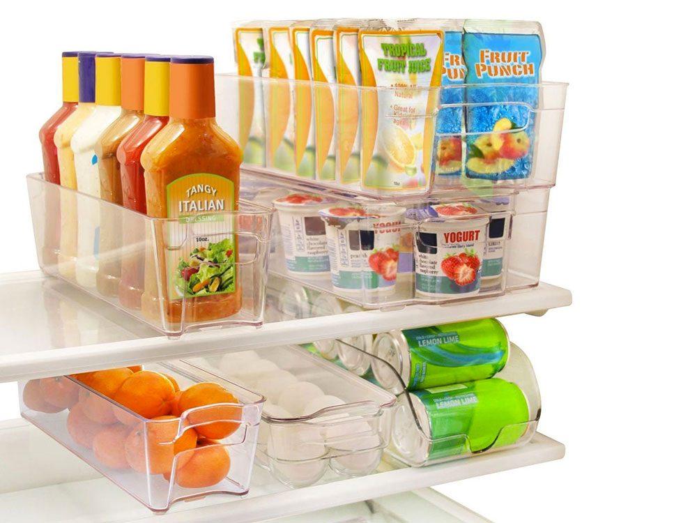 Des contenants empilables pour le réfrigérateur/congélateur pour organiser sa cuisine.