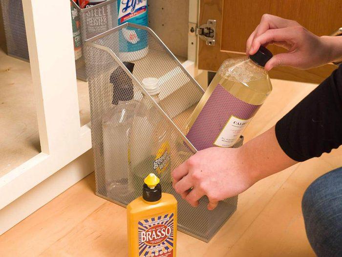 Des range-revues dans la cuisine pour organiser sa cuisine.