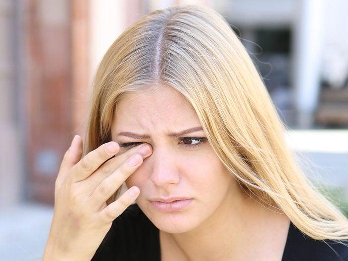 Santé des yeux: l'intensité de la douleur peut fournir un indice sur sa cause.