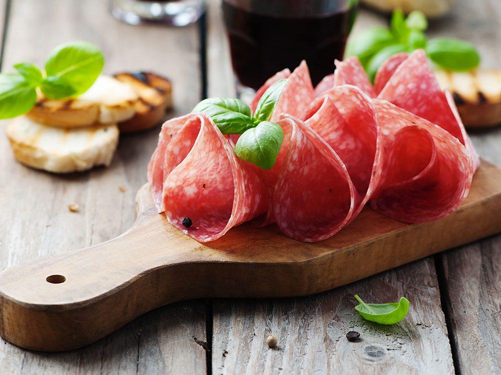 Les spécialistes de la thyroïde évitent les aliments transformés.