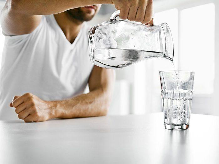 Hydratez-vous pour vivre jusqu'à 100 ans.
