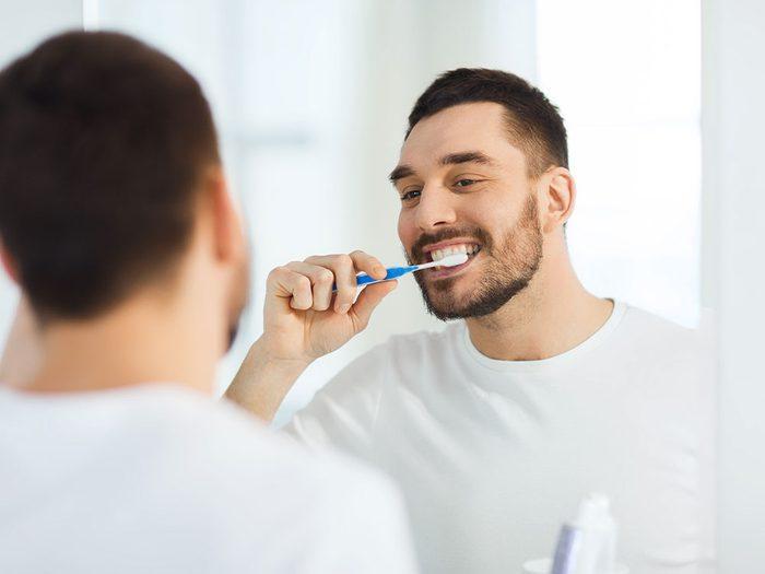 Brossez-vous les dents pour vivre jusqu'à 100 ans.