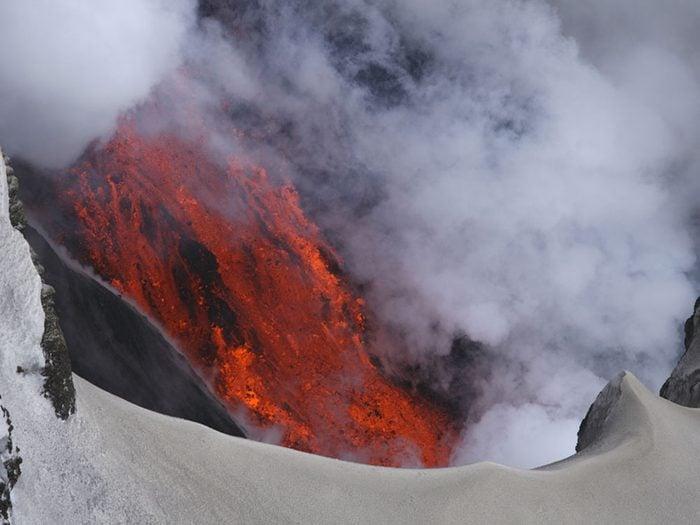 Visitez le volcan Eyjafjallajokull en Islande.
