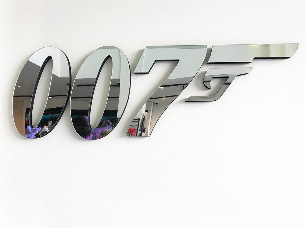 James Bond a le permis de tuer.