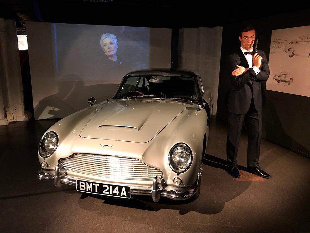 James Bond a le permis de tuer et il s'en sert souvent.
