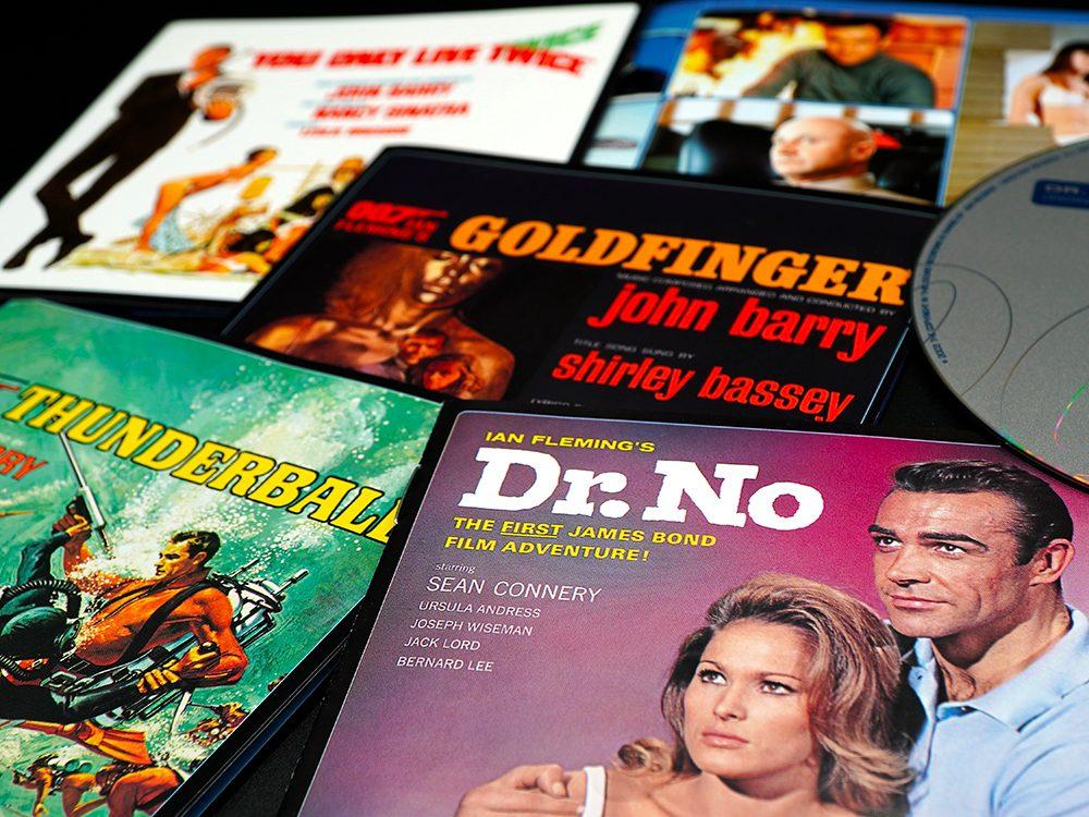 Ian Fleming a écrit 14 aventures de James Bond.