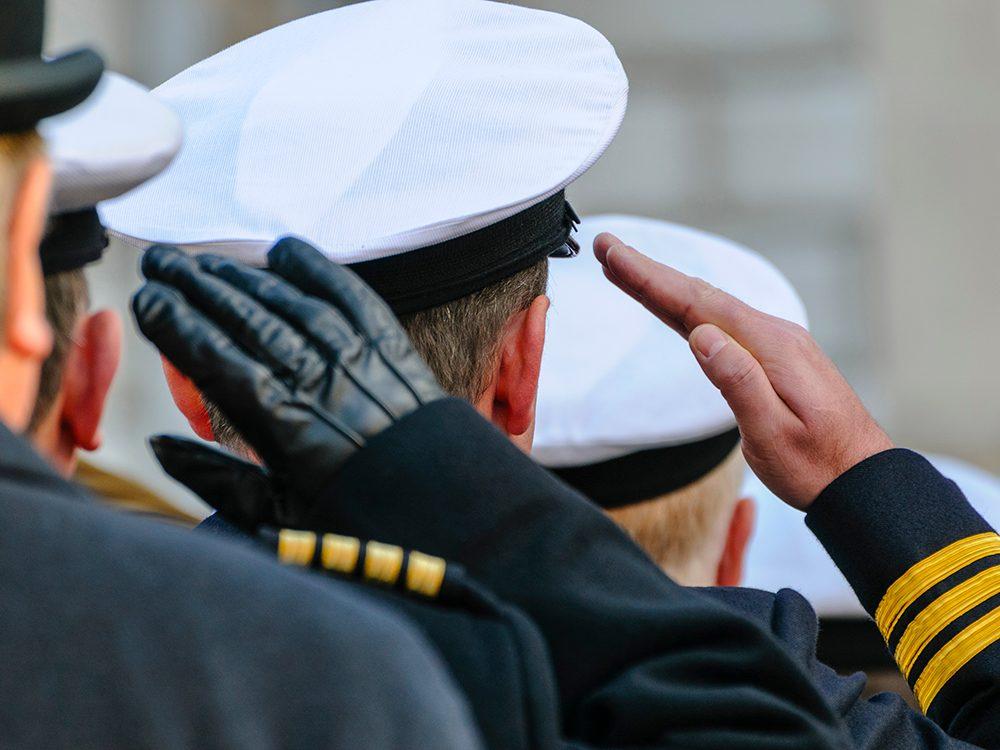 James Bond a servi dans la Royal Navy.