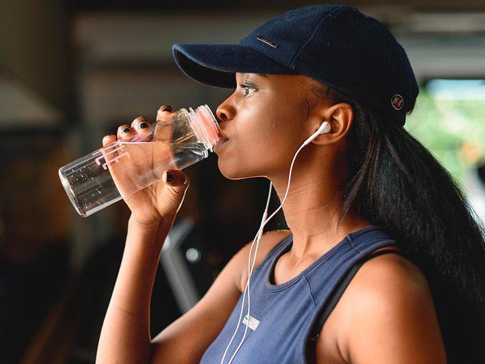 Une déshydratation même légère peut entraîner de l'anxiété.