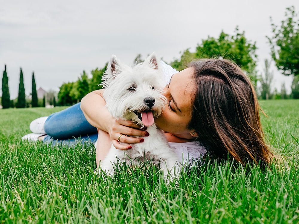 Le chien est aussi le meilleur du coeur.