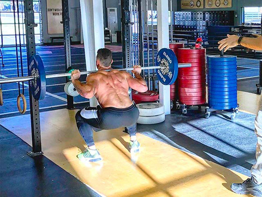 Évitez les exercices avec des poids légers.