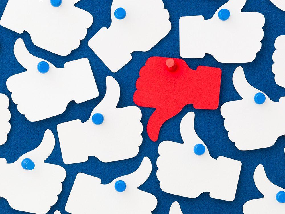 Facebook vous traque: voici comment y mettre un frein.
