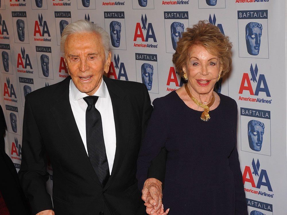 Témoignage touchant de Kirk Douglas à son épouse.
