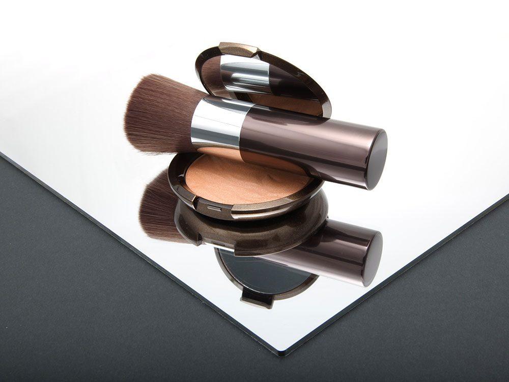 Maquillage: comment appliquer de l'autobronzant sans quela peau ait l'air sale?