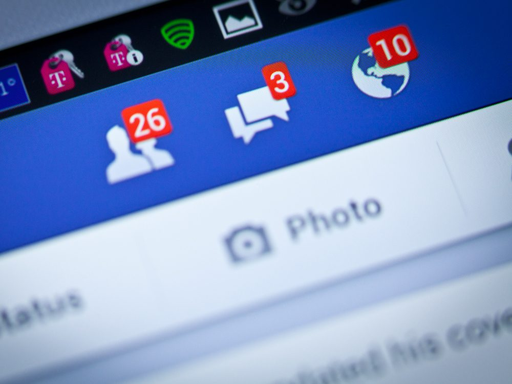 Un message surprenant sur Facebook, précisant que deux amis étaient perdus dans la jungle.