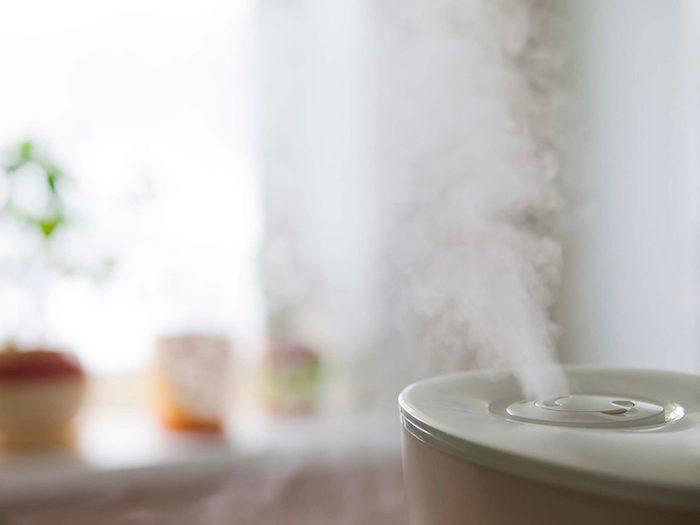 Éliminez la moisissure de votre humidificateur avec du peroxyde d'hydrogène.