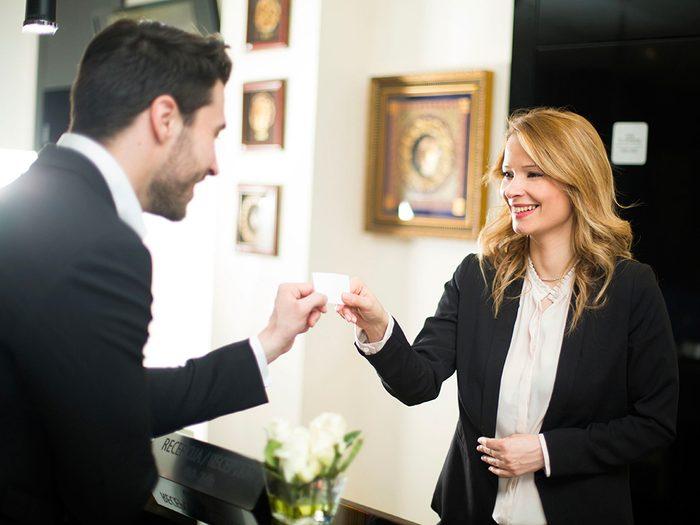 Secrets d'hôtels: les employés sont (pour la plupart) heureux de vous assister.